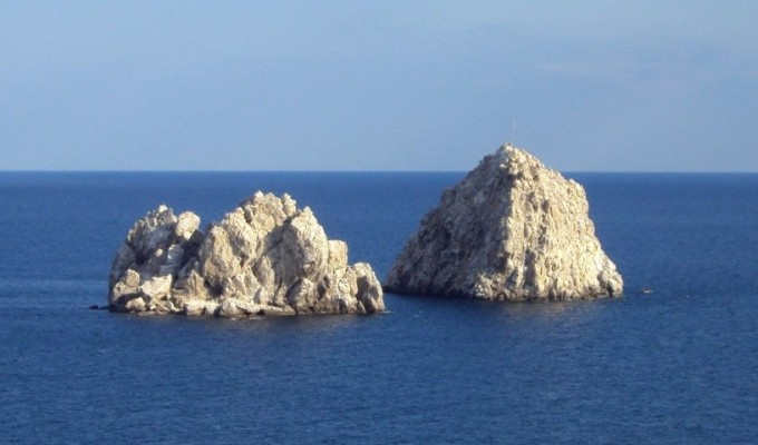 Скелі-близнята - легенда Криму